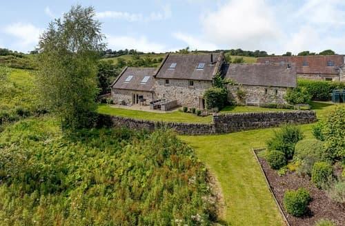 Last Minute Cottages - Waterside Barn