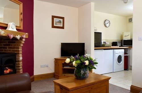Last Minute Cottages - Rose Cottage - UK12147