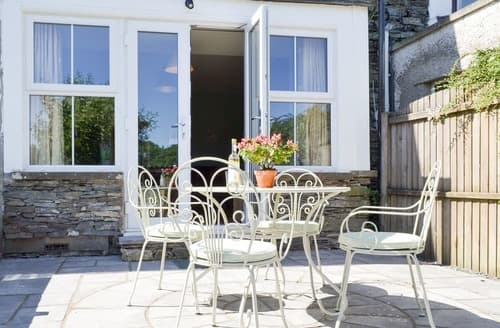 Last Minute Cottages - Running Hare