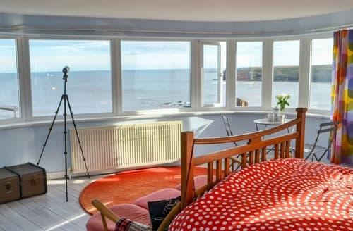 Last Minute Cottages - Sea View House
