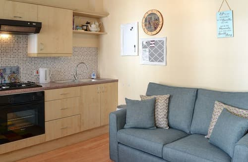 Last Minute Cottages - The Wee Thistle