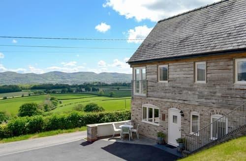Last Minute Cottages - Oak House
