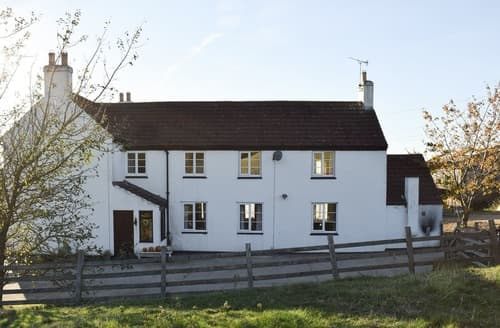 Last Minute Cottages - Hill Farm