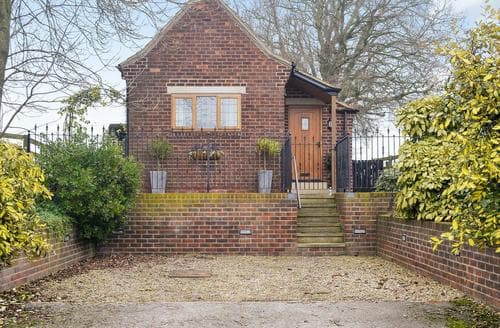 Last Minute Cottages - The Old Telephone Exchange