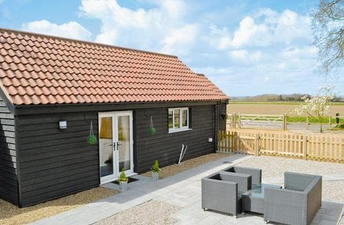 Last Minute Cottages - Little Tree Cottage