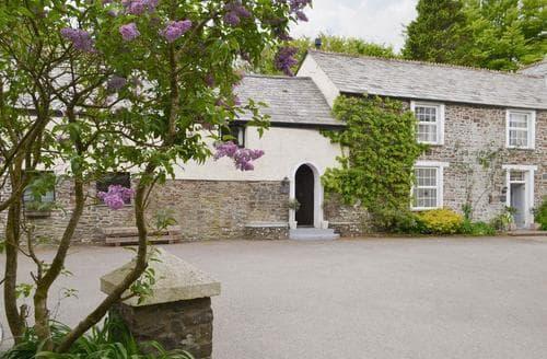 Last Minute Cottages - Lake Villa Farmhouse - UKC1887