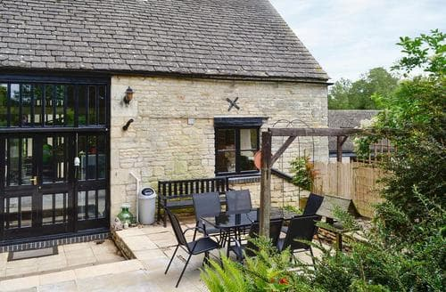 Last Minute Cottages - Gyde's Farm Barn