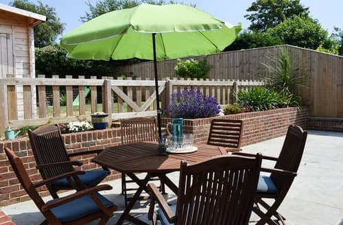Last Minute Cottages - Heath Villa