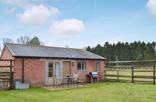 Last Minute Cottages - Little Woodley