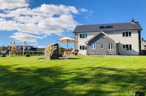 Last Minute Cottages - Maen Llwyd