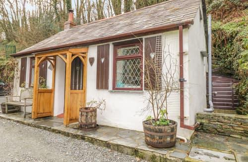 Last Minute Cottages - Coachman's