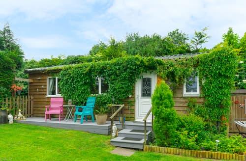 Last Minute Cottages - The Log Cabin