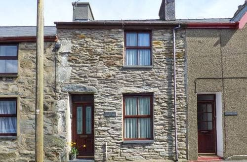 Last Minute Cottages - Congl Y Wal