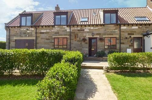 Last Minute Cottages - Airy Hill Farm Cottage