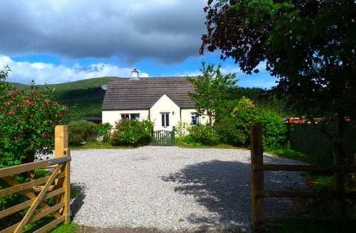 Last Minute Cottages - Cosy Cottage