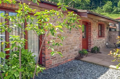 Last Minute Cottages - The Old Dairy 2