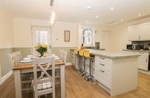 Last Minute Cottages - Roseberry House