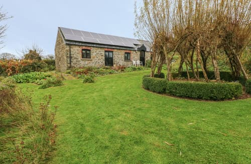 Last Minute Cottages - Fronrhydd Fach