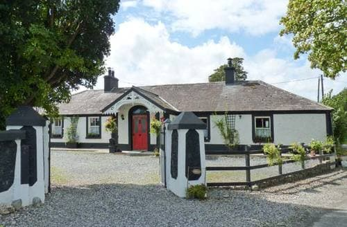 Last Minute Cottages - Derry House