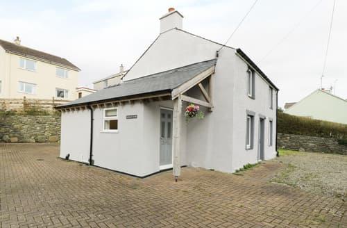 Last Minute Cottages - Bwthyn yr Ardd
