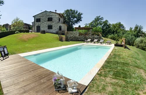 Last Minute Cottages - Villa Cianca