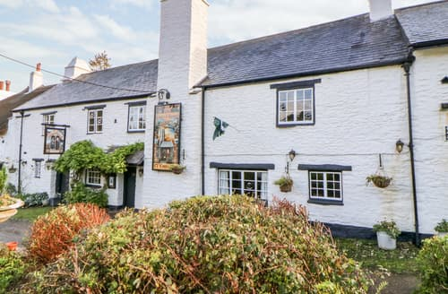 Last Minute Cottages - The Old Church House