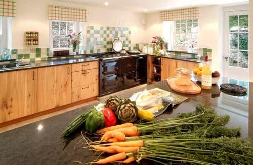 Last Minute Cottages - Trencreek Farmhouse, Tregony
