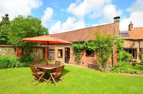 Last Minute Cottages - Wonderful Hindolveston Rental S9780