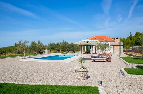 Last Minute Cottages - Villa Tsina