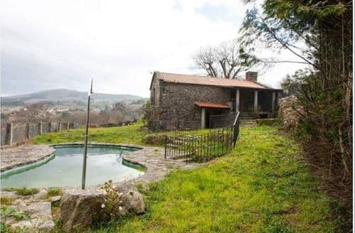 Last Minute Cottages - Casa A Porteliña