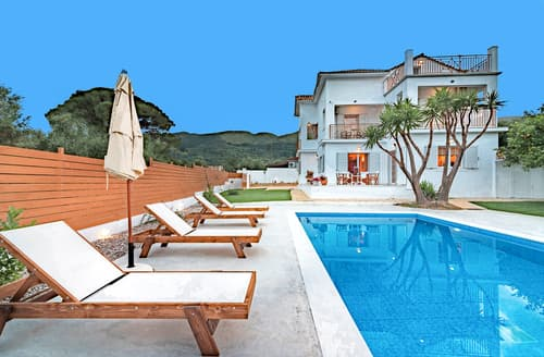 Last Minute Cottages - Villa Vougiato