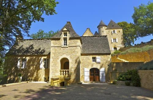 Last Minute Cottages - Chateau Des Lauzes