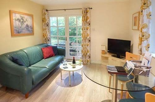 Last Minute Cottages - Delightful Windermere Lodge S39314