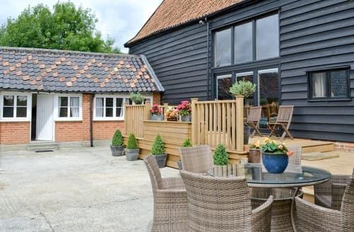 Last Minute Cottages - Rose Farm Barn