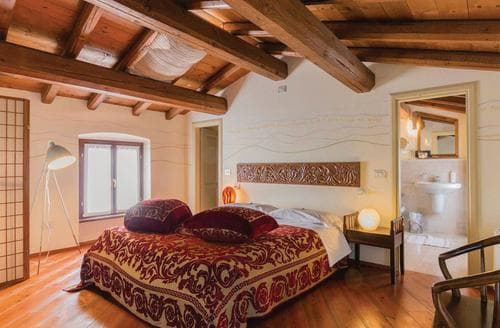 Last Minute Cottages - Marco Polo