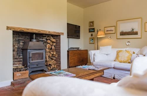 Last Minute Cottages - Wootton Farmhouse