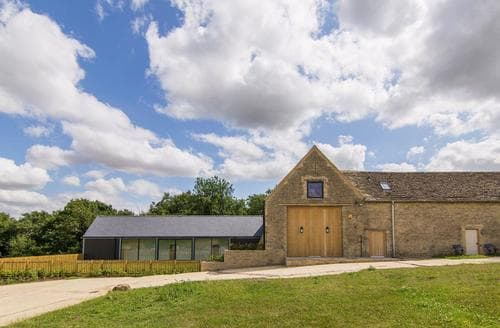 Last Minute Cottages - The Cotswold Barn