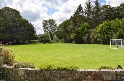 Last Minute Cottages - Brynog Mansion Farmhouse