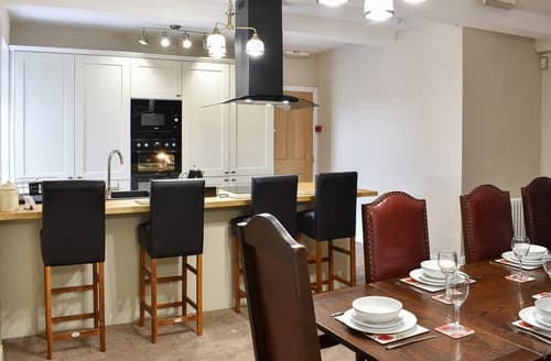 Last Minute Cottages - Forrest's Yard Apartment - 1 - UK10705