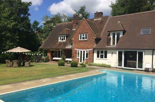 Big Cottages - Twilight House