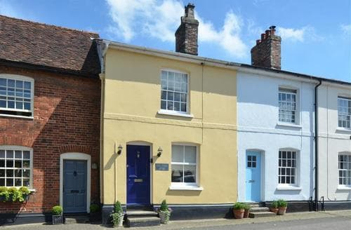 Last Minute Cottages - Charming Lavenham Rental S9987
