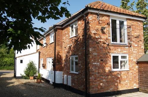 Last Minute Cottages - The Old Bake House