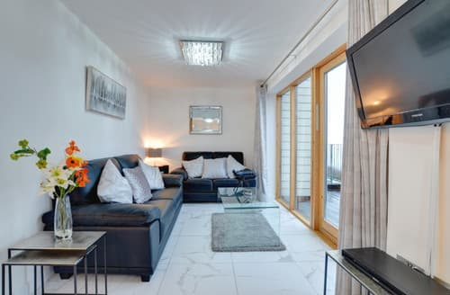 Last Minute Cottages - Apartment 2, The Old Stables