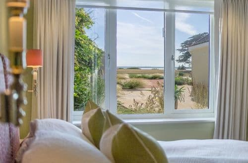 Last Minute Cottages - Marsh View, Aldeburgh