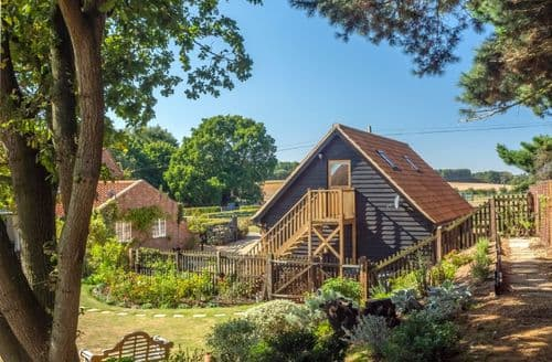 Last Minute Cottages - The Cartlodge, Iken, Iken