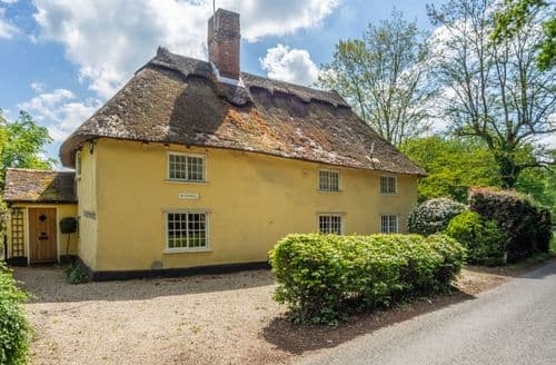 Last Minute Cottages - The Gildhall, Higham
