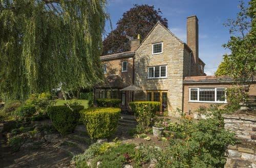 Last Minute Cottages - Riverside House, Bidford-on-Avon