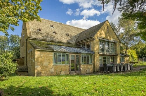 Last Minute Cottages - Watery Park Barn, Weston Subedge