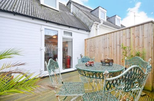 Last Minute Cottages - 36a Cowes High Street, Cowes