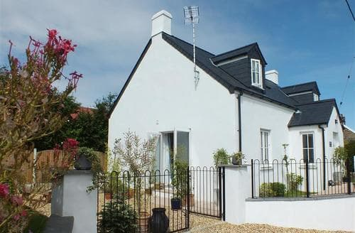 Big Cottages - Beautiful Newport Cottage S71705